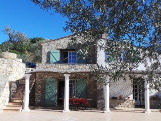 Villa with panoramic views, private pool on 11 000m2. Cannes, St. Tropez, Verdon