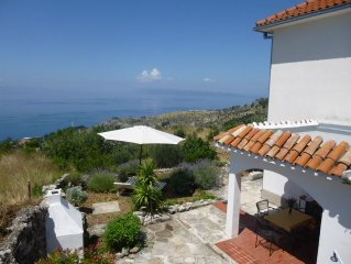 great sea views, garden, family friendly, pets welcome, to 5 persons