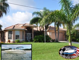 Villa 'Pine Island' Spacious luxurious  pool heating incl. boat bookable