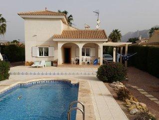 Traumhafte Villa mit Privatpool in Hugellandschaft  mit WIFI und Klimaanlage