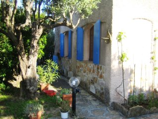 70m² holiday rental, nestled in the hills in a small village, 10min to the sea