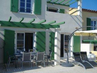 Schöne Villa in ruhiger Residenz,  strand 800m. Kostenlosem WiFi,  Fahrräder