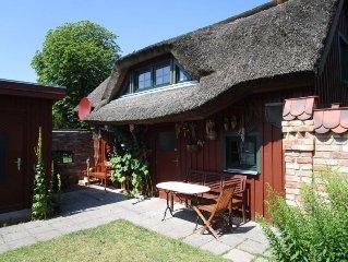 Darsser Ferienhaus mit Schilfdach  bei einer alteingesessenen Prerower Familie