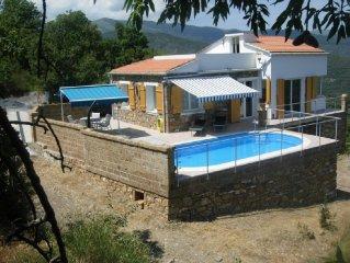Gepflegtes Haus mit Pool und Meersicht, sehr ruhige Lage, 8 km vom Strand, WLAN