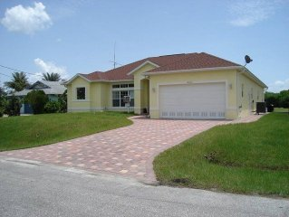 Great moderene spacious villa is beautifully located on the water
