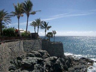 Villa auf Felsvorsprung, 180 Grad Panorama Blick,1 Minute zu Fuss von 2 Stranden