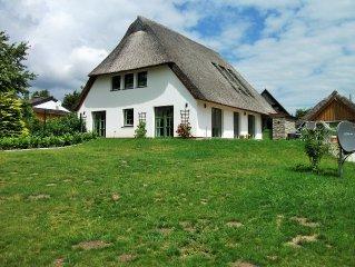 Wunderschones Reetdachhaus inmitten des Naturparks 'Lauenburgische Seen'
