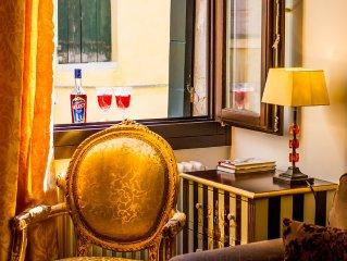 Beautiful spacious venetian town house top location in Dorsoduro