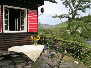 Das urgemütliche Ferienhaus mit dem traumhaft schönen Blick auf die Mosel