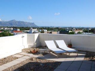 Traumhafte 170 qm grosse Wohnung mit 70 qm Dachterrasse ,Blick auf Berge u. Meer