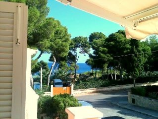 Holiday home in a prime location, 40m from the sea with a magnificent bay, 2 te