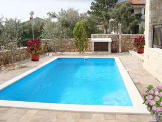 Traumhafte Villa mit großen Swimmingpool