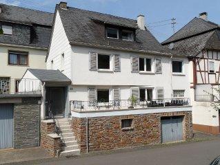 Schönes renoviertes Ferienhaus in Briedel, mit Blick auf die Mosel