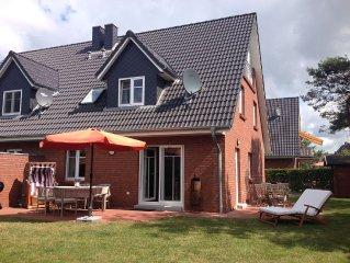 Modernes Ferienhaus mit 127 m² und Luxusausstattung in guter Lage im Dorf