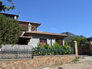 Villa Juniper mit exklusiven Garten nur 200m Meer.