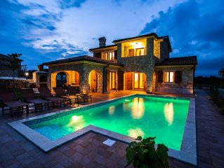 Luxury stone villa with pool, barbecue, large garden and wooden house for child