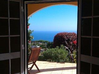 Ferienhaus mit traumhaftem Blick auf den Atlantik und die Berge - Casa Laurisol