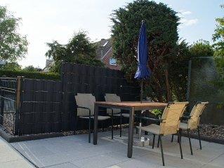 Wohnen auf drei Ebenen - 2,5 Zi-Doppelhaushalfte mit Terrasse und eigenem Zugang