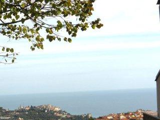 Elegante Ferienwohnung, atemberaubender Meerblick, Garten,Terrasse, Parkplatz