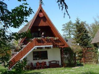 Sie wohnen  in  ruhiger Lage unter einem ortstypischem Schilfdach in Prerow