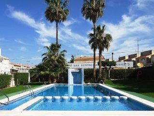 Luxus ***** Ferienhaus in Strandnahe mit grossem Garten und 2 grossen Pools