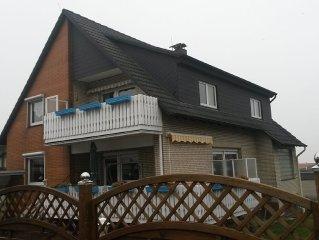 Liebevoll eingerichtete, schön gelegene FeWo mit Balkon. Preise s. Beschreibung