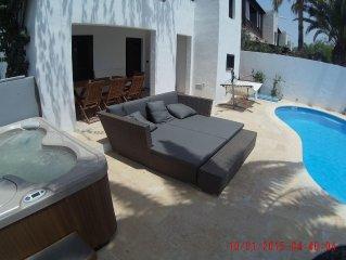Wellnessoase mit privatem Pool-Sauna-Whirlpool im Herzen von Puerto del Carmen