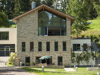 Stilvolle, moderne Ferienwohung mit traumhaftem Ausblick und eigener Terrasse