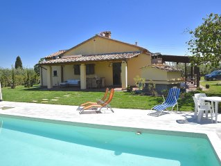 Villa with high comfort with pool near the sea, dish & washing maschine,