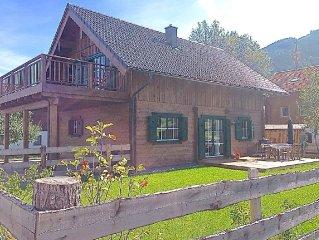 Tradition & Design - Ferienwohnung in Holzblockhütte
