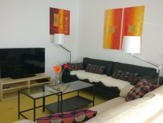 Zentral + Hochparterre: Komfortable komplett sanierte Wohnung für bis zu 5 Pers.