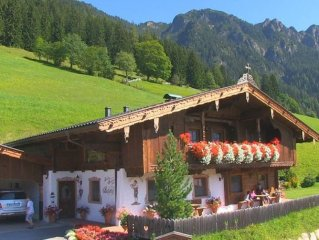 Exclusive apartment - Holiday home - Chalet - Riding and sauna - sleeps 6