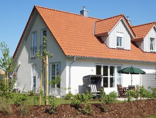 5 ***** holiday home on the Baltic beach with sauna, fireplace, Wi-Fi and garden