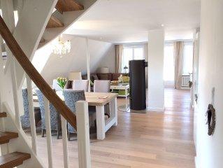 5 Sterne Luxusdomizil Haus Appelsnuut unter Reet auf 155 m2  Traumlage im Dorf