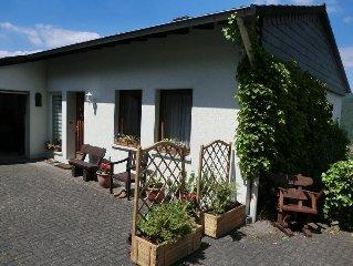 Ferienhaus 'Am Eifelsteig' für bis zu 7 Personen in Panoramalage, mit Kamin