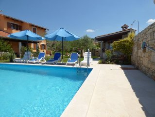 Villa with pool - beautiful apartment with sophisticated equipment