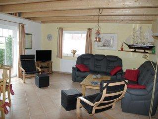 Wellness Ferienhaus für 8 Pers. mit Sauna und Kamin sowie Carport und Terrasse