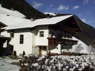 gemutliche Wohnung fur 4-6 Personen in Madseit, 3km vom Hintertuxer Gletscher