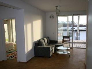 Moderne lichtdurchflutete 4 Zimmer Wohnung im Ökohaus mit riesigen Balkonen.
