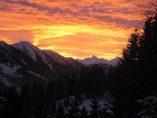 Sonniges Idyll  auf 1.300 m Höhe mit riesiger Terrasse vis-á-vis der Berge