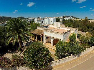 Beautiful house with Mediterranean garden in Cala Millor
