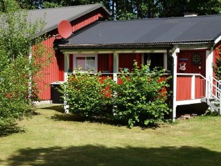 secluded right on exes-lake with boat - available 3 bedrooms
