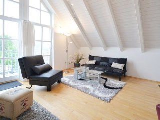 Loft apartment with three bedrooms north of Munich near the airport