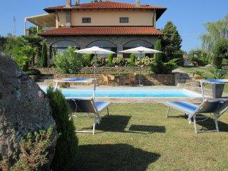 Ferienwohnung mit Pool  in der Hugel Landschaft vom Piemont mit 300° Rundsicht