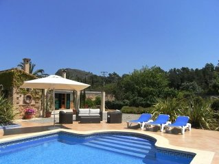 8+ persons, 4 bedrooms, 4 bathrooms, pool with pool house, Wifi free, TV-SAT