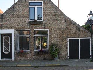 Freies Haus, komplett und modern ausgestattet. 6 Betten, Garten, Wifi