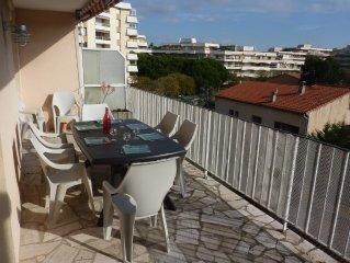 Frejus Plage T3 70 m2 (2 chambres separees) gde terrasse , a 400m de la plage