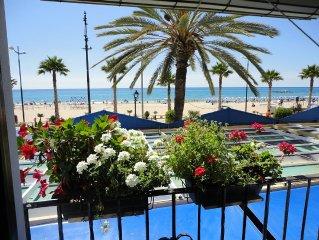 beautiful apartment facing the sea