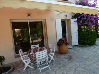 GD T2 45 m² - RdC de Villa -150m PLAGE - PARKING ET JARDIN PRIVATIF - WI-FI