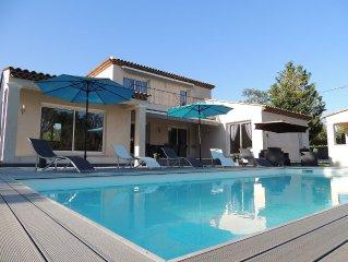 Villa neuve moderne avec piscine chauffée à proximité du golf pour 6/7 personnes